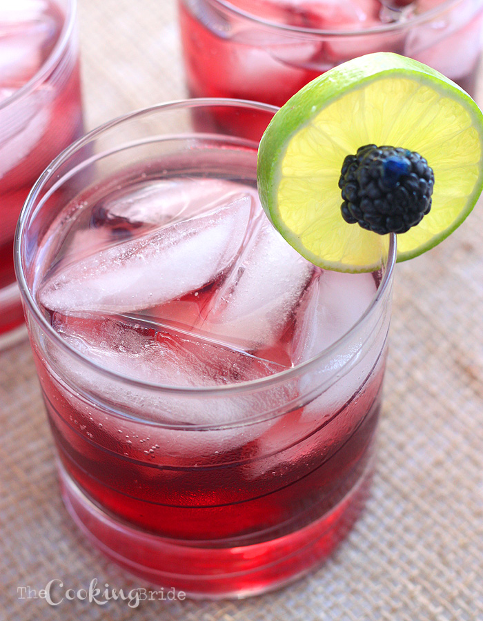 Blackberry Limeade Spritzers - The Cooking Bride