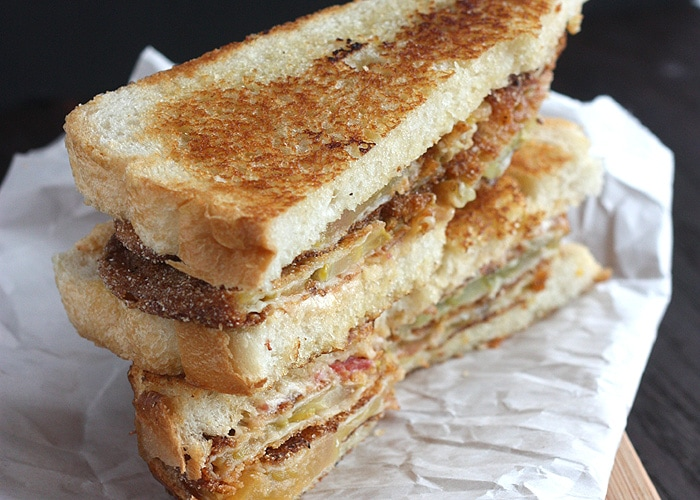 Pimento Cheese and Fried Green Tomato Sandwich - The Cooking Bride