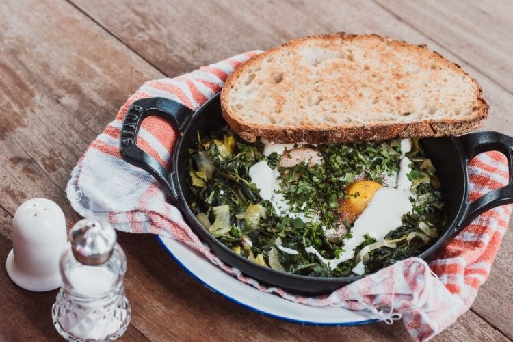 12 of the Best Reasons you should be cooking with cast iron